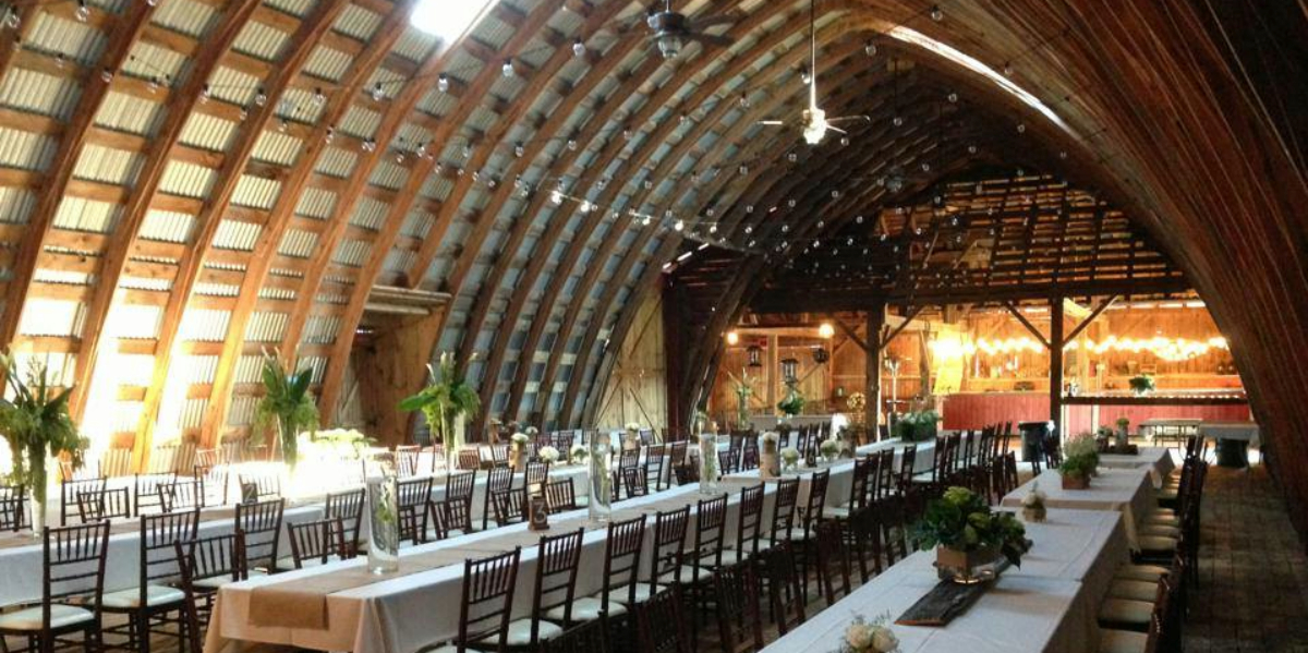 Hayloft on the arch weddings get prices for wedding for Outdoor wedding venues ny