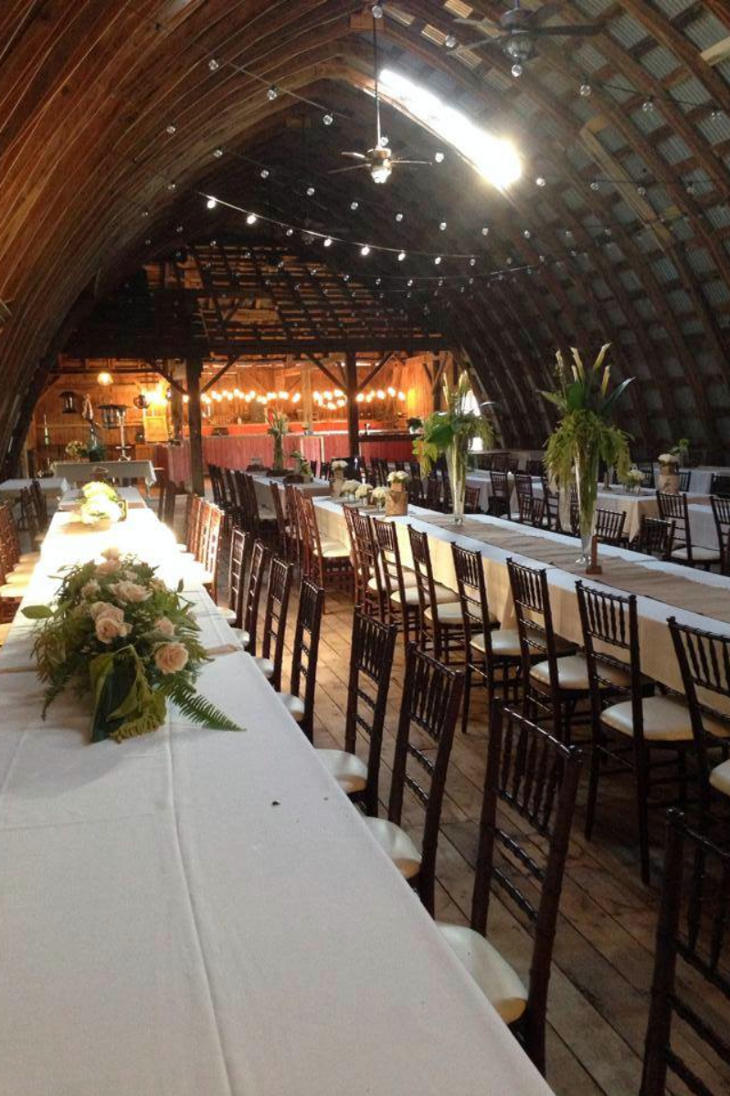 Hayloft on the arch weddings get prices for wedding for Small wedding venues ny