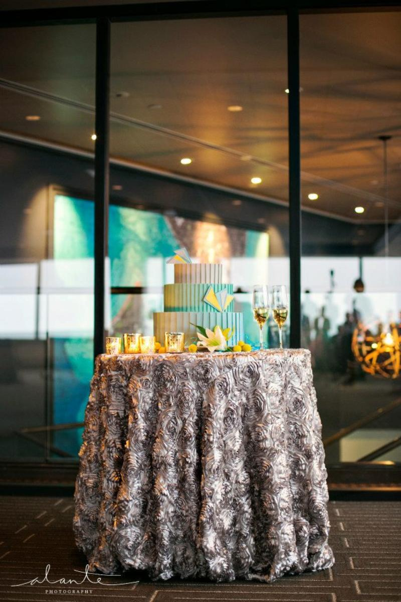 The Columbia Tower Club wedding venue picture 6 of 11 - Photo by: Alante Photography