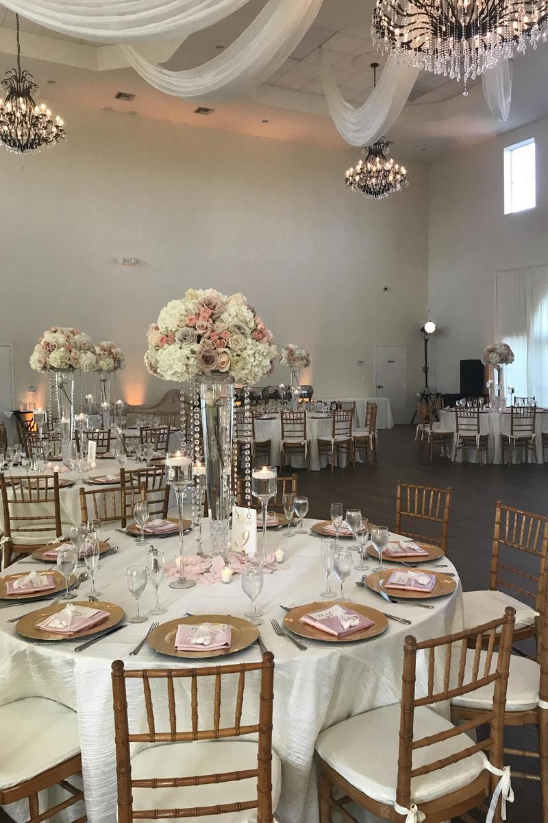 Vista Lago Ballroom Weddings | Get Prices for Wedding ...