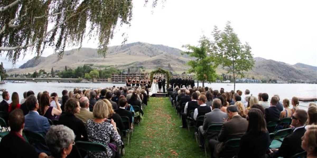 Campbell's Resort On Lake Chelan Weddings