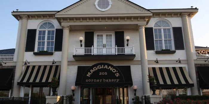 """Enjoy the perfect Maggiano's Family Meal at home. Choose from a variety of Maggiano's classics, portioned to share with approximately four people. Our Fettuccine Alfredo and Chicken Entrées can be ordered with the """"LIGHTER TAKE """" herelfilesvj4.cfry: Italian, Restaurants."""