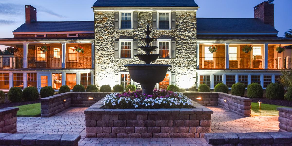 the farmhouse at the grand colonial weddings