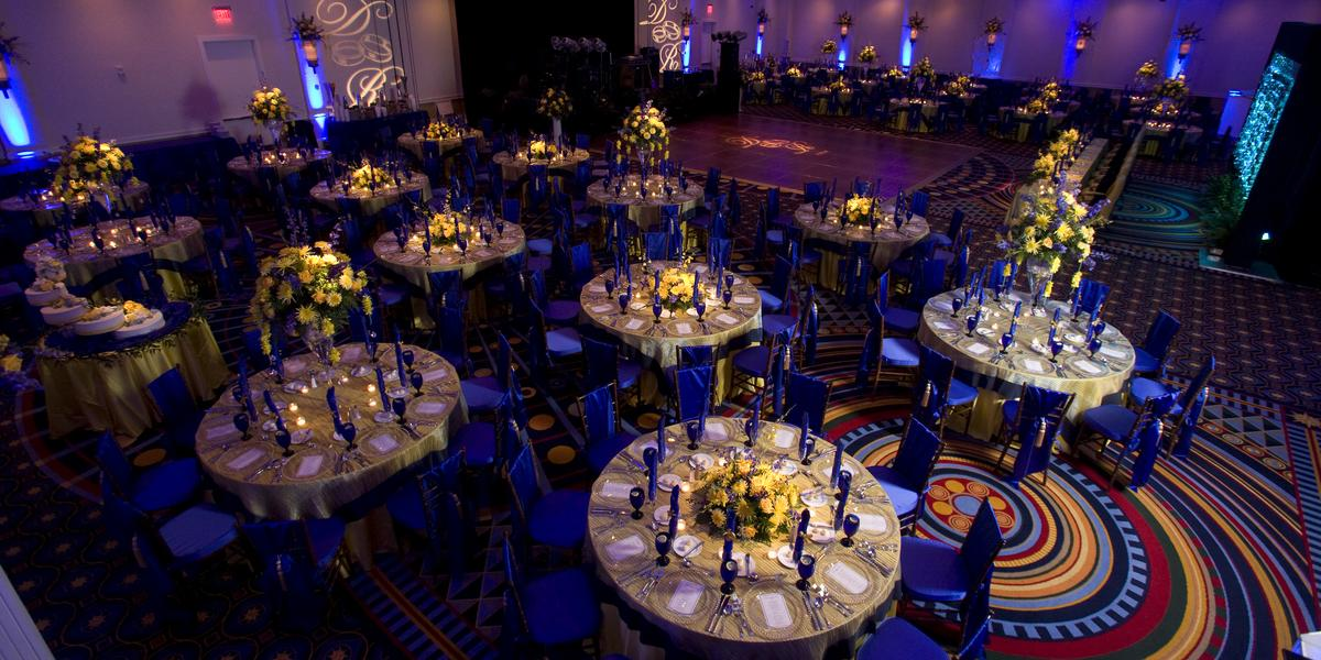 Hilton Virginia Beach Oceanfront Weddings | Get Prices for ...
