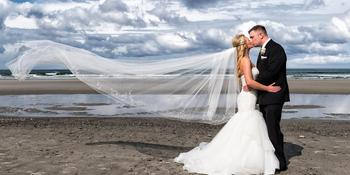 Nantasket Beach Resort weddings in Hull MA