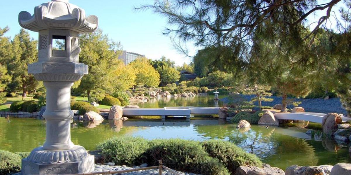Japanese friendship gardens of phoenix weddings for Japanese friendship garden