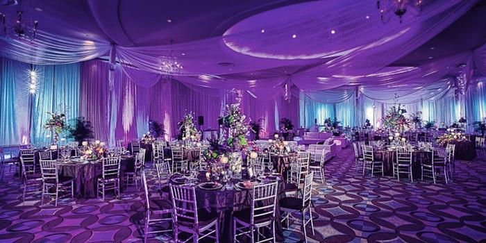 Fontainebleau Miami Beach wedding venue picture 1 of 16 - Photo by: Munoz Photography