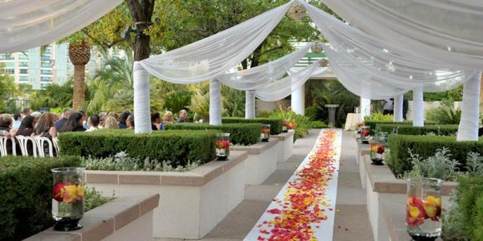 Emerald at Queensridge Weddings Get Prices for Wedding Venues in NV