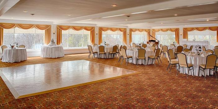 Pocono Manor Resort & Spa wedding venue picture 5 of 14 - Photo by: Heidi Erika Photography