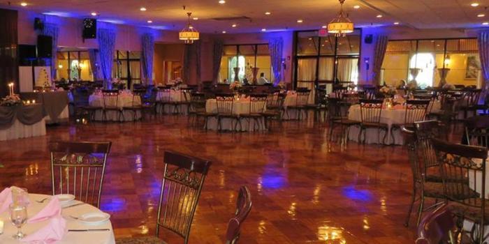Wedding Banquet Halls In Philadelphia Pa La Luna Hall Weddings Get Prices For