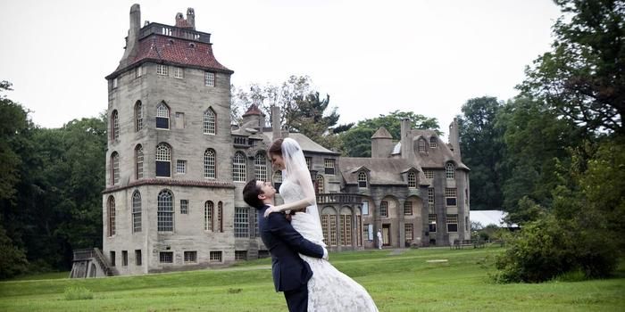 Fonthill Castle Museum wedding venue picture 3 of 16 - Photo by: Lynda Berry Photography