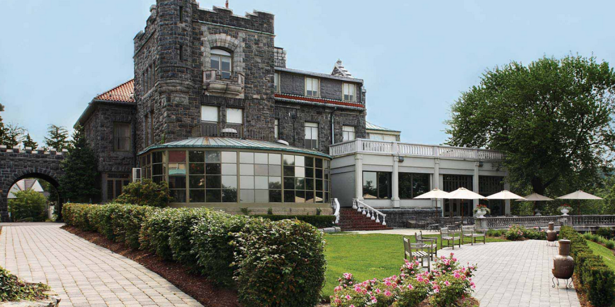 Tarrytown house estate on the hudson weddings for Hudson house