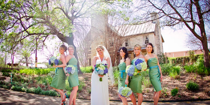 Elegant Outdoor Wedding Ceremony Site Near San Antonio: Inn On The Riverwalk Weddings