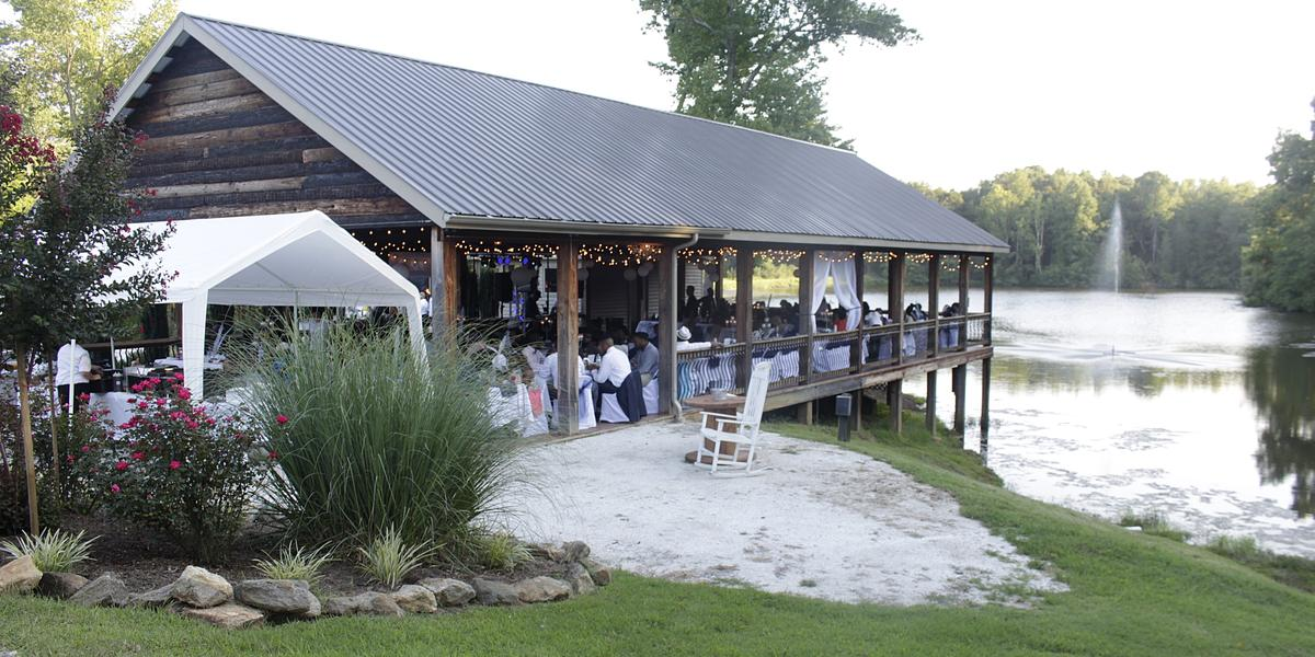 the carolyn baldwin lake pavilion weddings in farmville va