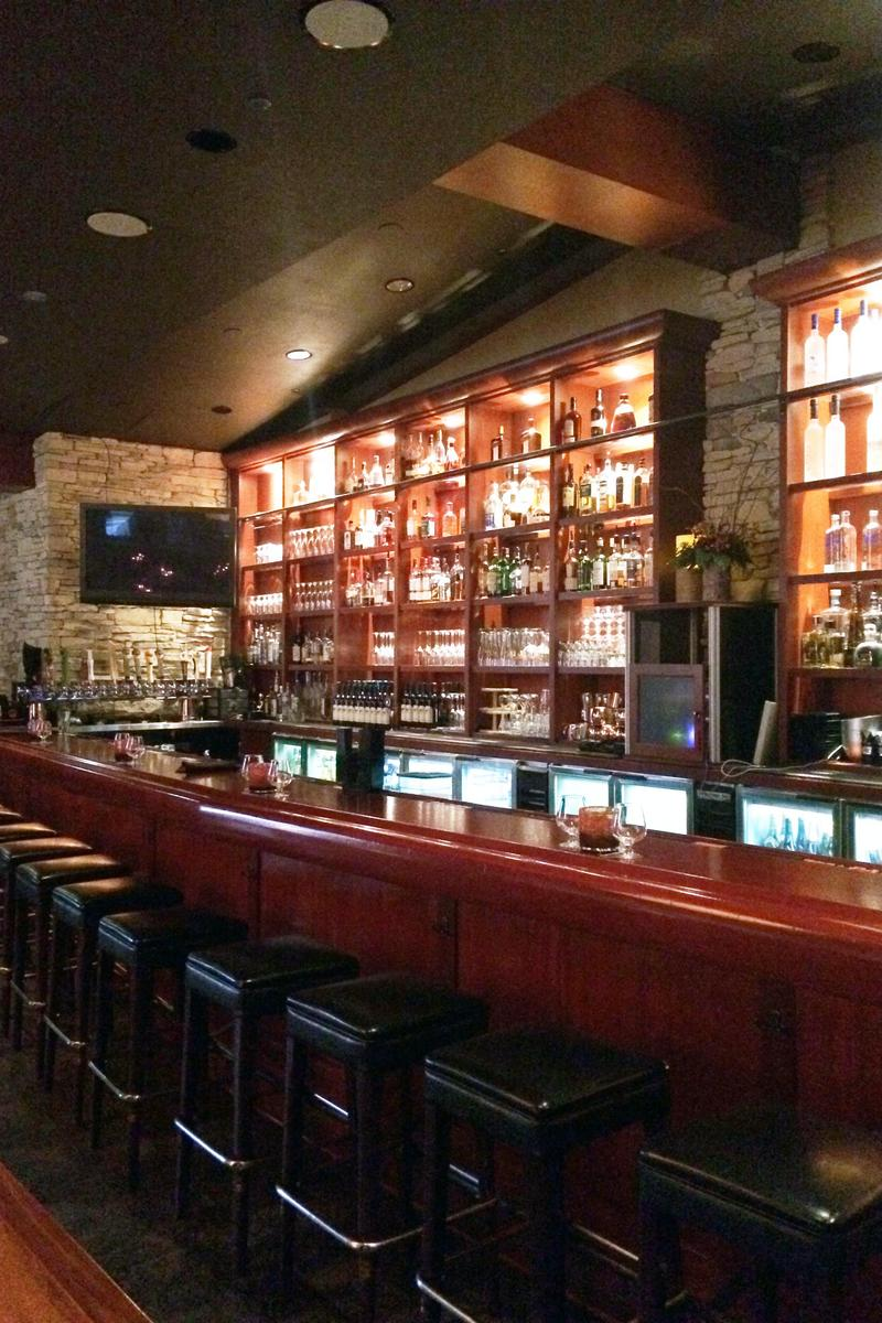 One north kitchen bar weddings get prices for wedding for Kitchen chicago