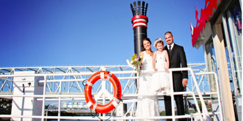 BB Riverboats Belle of Cincinnati weddings in Newport KY