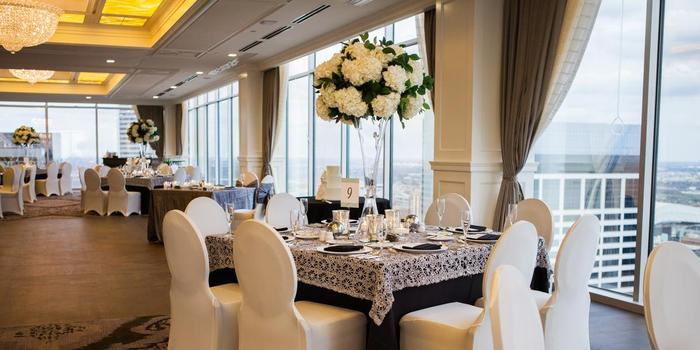 Petroleum Club of Houston wedding venue picture 3 of 8 - Photo by: Akil Bennett Photography