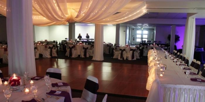 Memorial Hall Weddings Get Prices For Wedding Venues In Oh