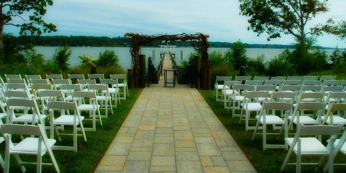 Water's Edge Events Center Weddings | Get Prices for ...