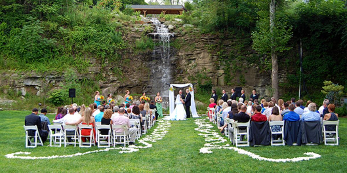 The Villa At Springwood Weddings
