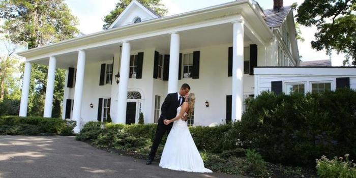 Alwyngton Manor wedding venue picture 8 of 16 - Photo by: Ciao Bella Photography