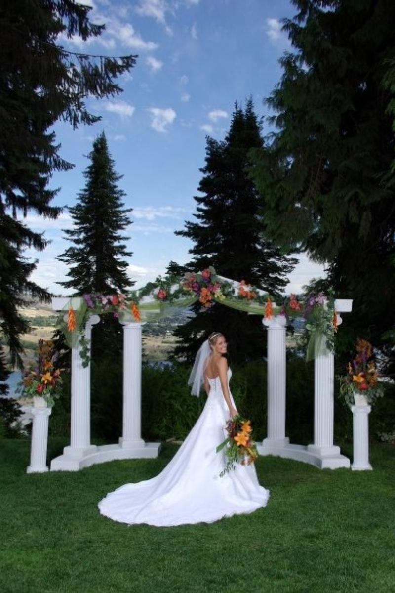 Ohme gardens weddings get prices for wedding venues in for Outdoor wedding washington state