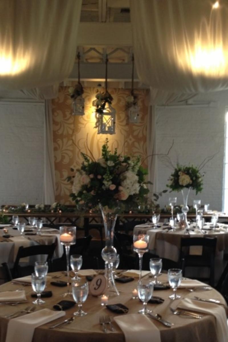 Round Barn Stable Of Memories Weddings