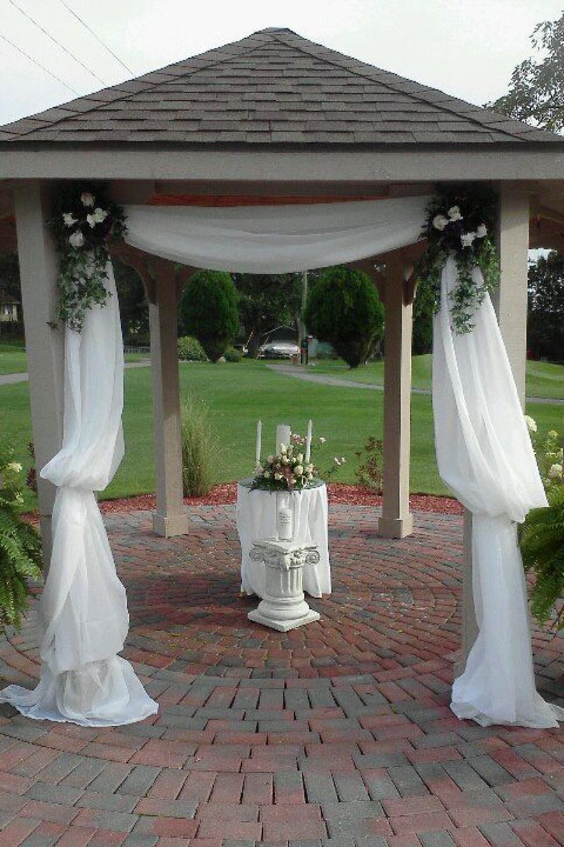 Lapeer Country Club wedding venue picture 7 of 11 - Provided by: Lapeer Country Club