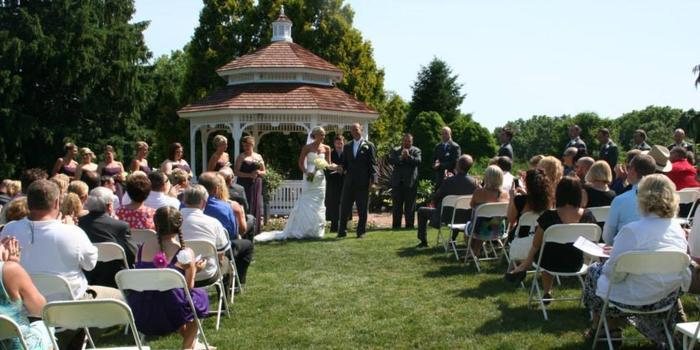 Hidden Lake Gardens Weddings | Get Prices for Wedding ...
