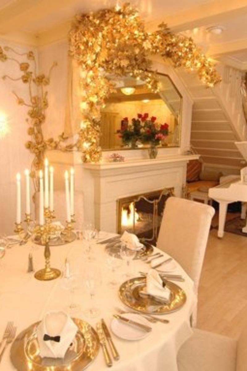 Anaheim White House Restaurant Weddings
