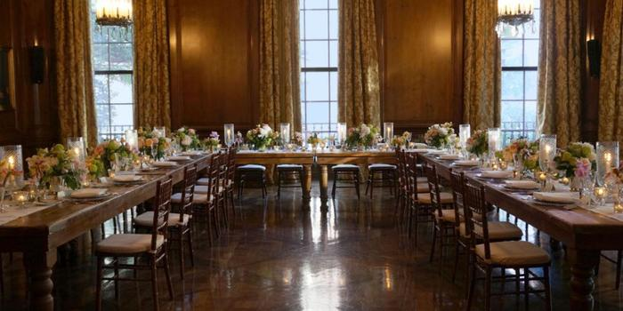 https://cdn.wedding-spot.com/images/venues/4651/Harold-Pratt-House-and-Peterson-Hall-Wedding-New-York-NY-19_main.1435693396.jpg