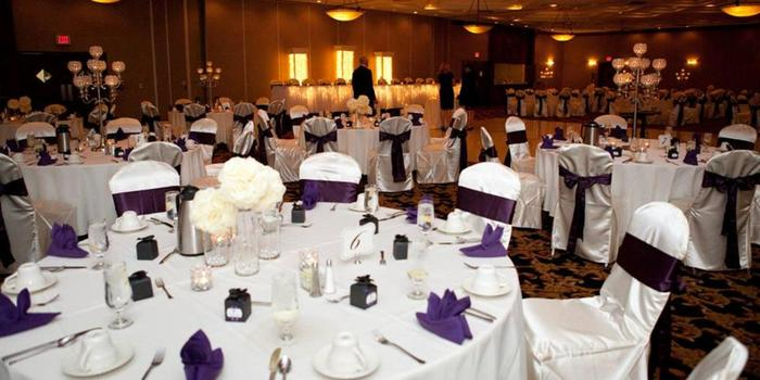 ConCorde Inn wedding venue picture 5 of 16 - Photo by: Green Holly Wedding Photography