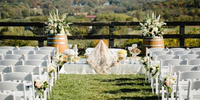 The Stable At Bluemont Vineyard Weddings Get Prices For Wedding