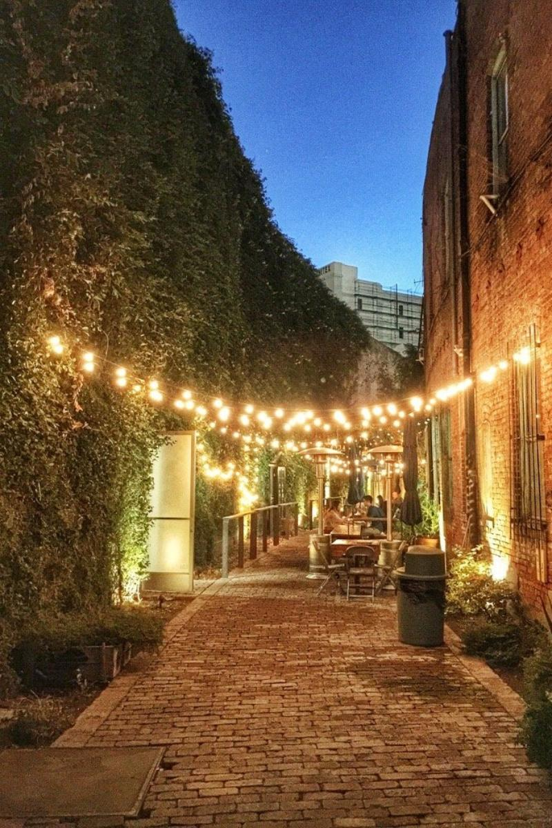 The alley at daily dose weddings get prices for wedding for Los angeles alleys wedding dresses