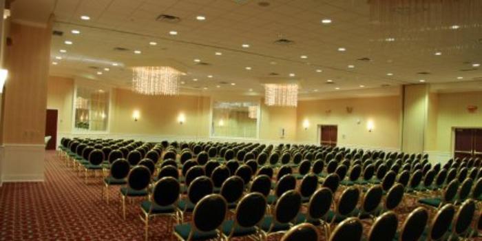 stonehill hotel cleveland eastlake weddings get prices. Black Bedroom Furniture Sets. Home Design Ideas