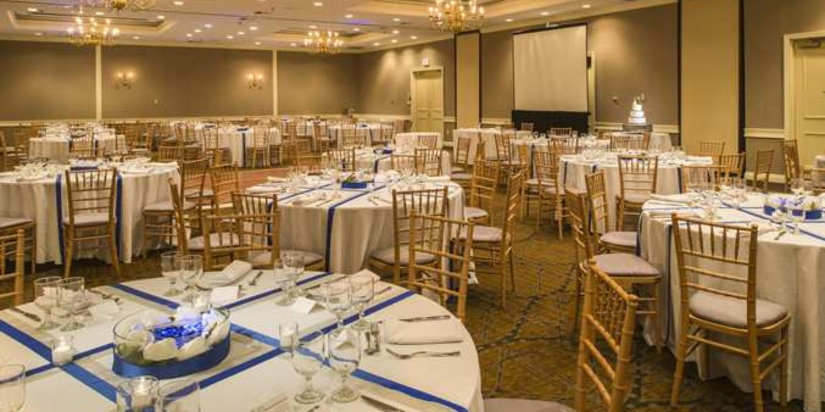Doubletree By Hilton Hotel Raleigh Durham Airport At Research Triangle Park Weddings In Nc