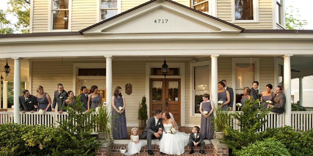 Alexander Homestead Weddings Weddings | Get Prices For Wedding Venues