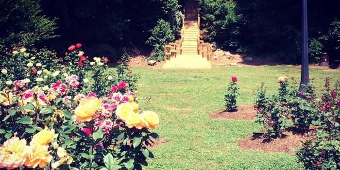 Raleigh little theatre rose garden weddings for Gardens in raleigh nc