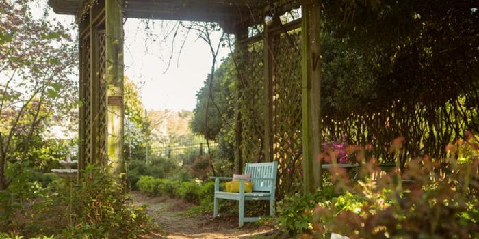 The Mcgill Rose Garden Wedding Venue Picture 5 Of 9 Photo By Bluesky Photography