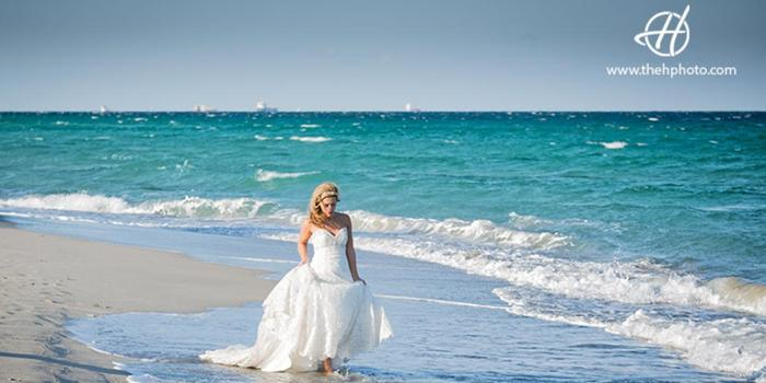 Hollywood Beach wedding venue picture 10 of 12 - Photo by: The H Wedding Photography