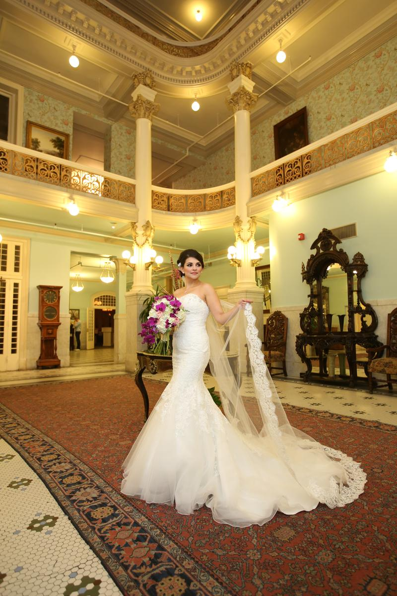 The Menger Hotel wedding venue picture 7 of 9 - Photography by: Raul's Photography