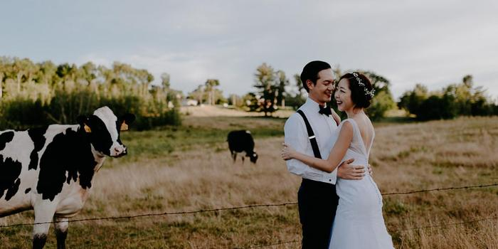 Inn at the Round Barn Farm wedding venue picture 14 of 16 - Photo by: Golden Hour Studios