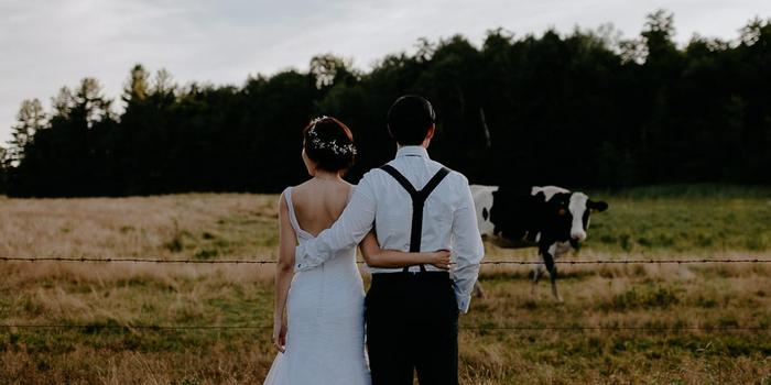Inn at the Round Barn Farm wedding venue picture 15 of 16 - Photo by: Golden Hour Studios