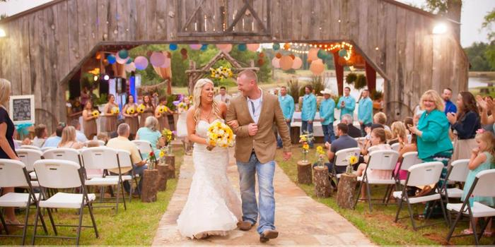 The Farmhouse Retreat Weddings wedding Dallas