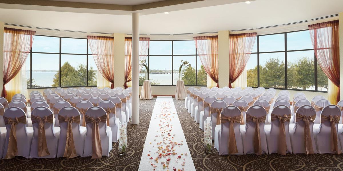 Hilton Dallas Rockwall Lakefront Weddings
