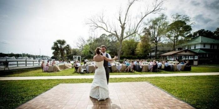Ortega River Club wedding venue picture 1 of 8 - Photo by: Tonya Beaver Photography