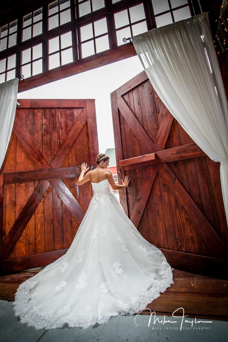 Avon Wedding Barn Weddings   Get Prices for Wedding Venues ...