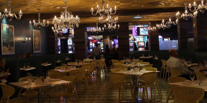 Weddings in las vegas hotelscasinos casino dealers liscense