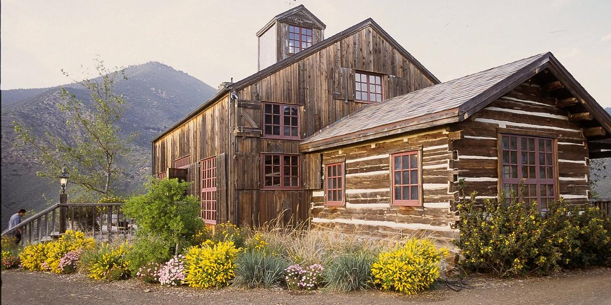 Figueroa Mountain Farmhouse Weddings | Get Prices for ...
