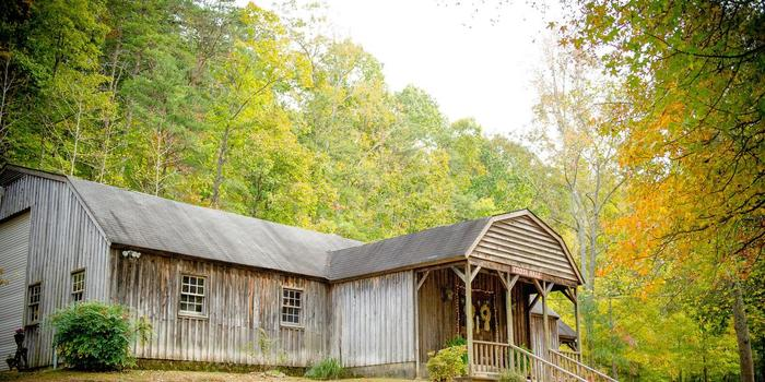 Hightower Falls wedding venue picture 5 of 16 - Photo By: Paris Mountain Photography